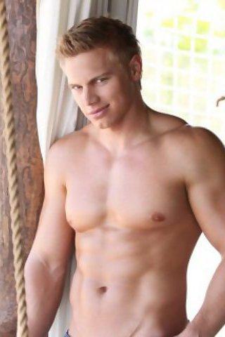 Brady Jensen Gay Model at BoyFriendTV.com