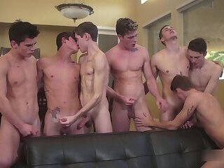 LucaVisconti - FIGHTERS ORGY - Seven boys BB