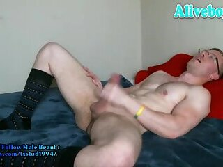 muscle american dude in glasses jerks off and eats own cum