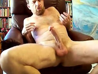 Open up that hairy hole!