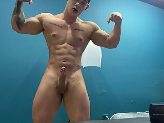 Hung muscle twink - Justin Clark 2