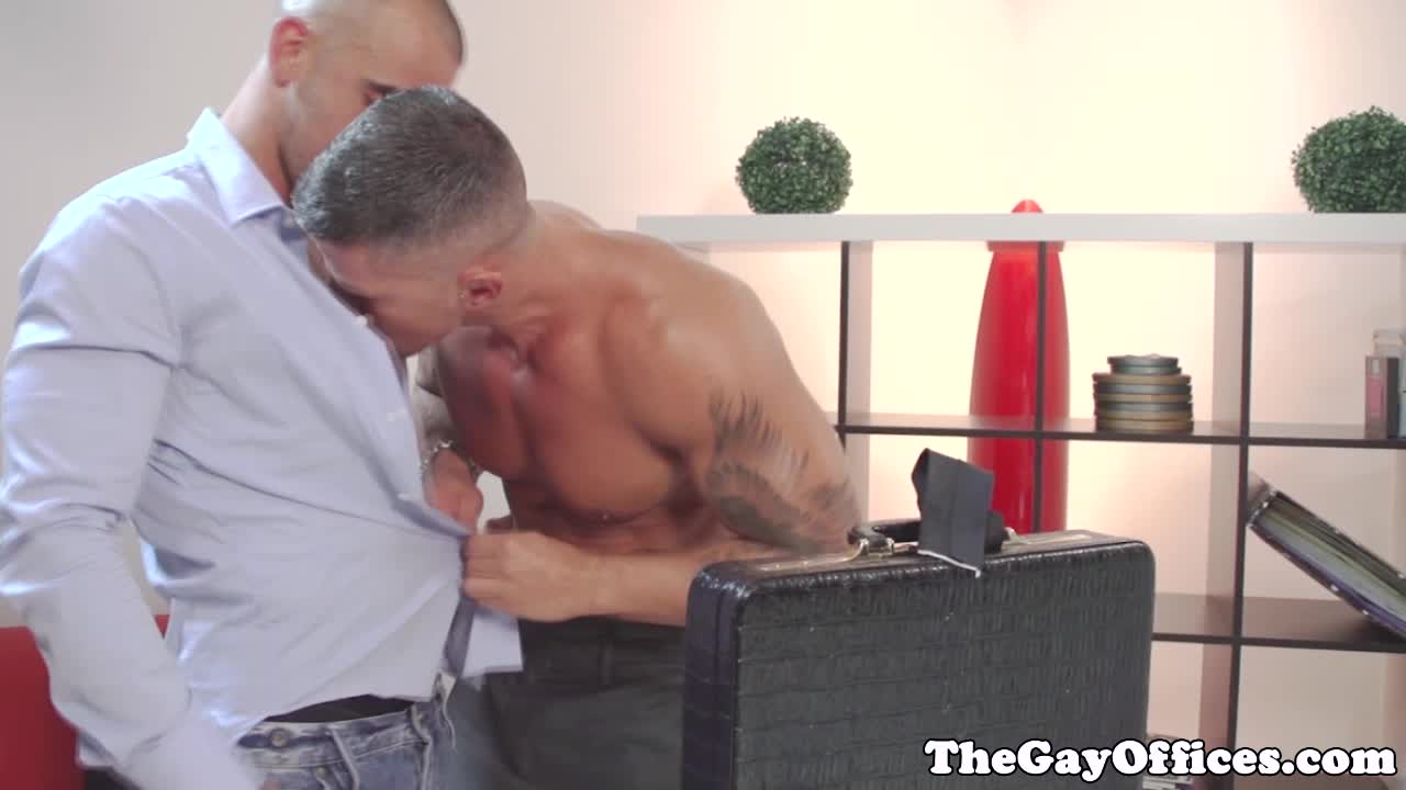 Ripped brown hunk cocksucking sixtynine